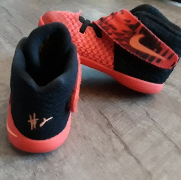 buy popular 73771 03ed2 Nike Kyrie 2 Inferno Crimson Orange and Black